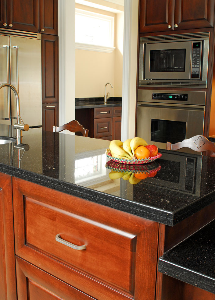 shaker mississauga custom kitchen and bathroom cabinetry