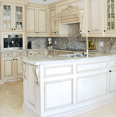 traditional-kitchen-cabinets-sm